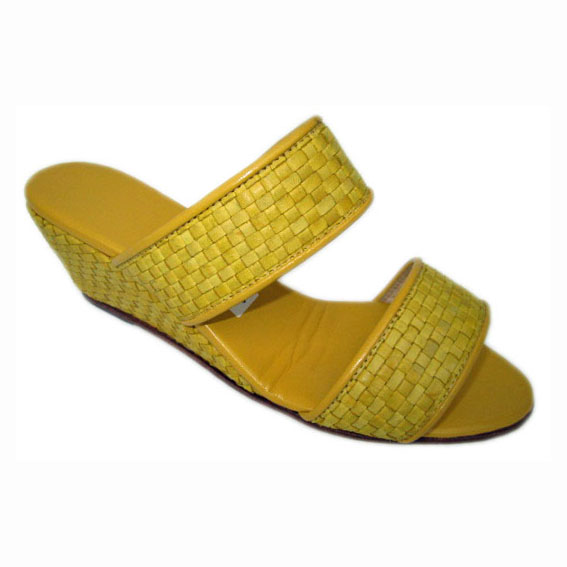 04 Lilly + Wedge Yellow Weave Yellow Kid + piping